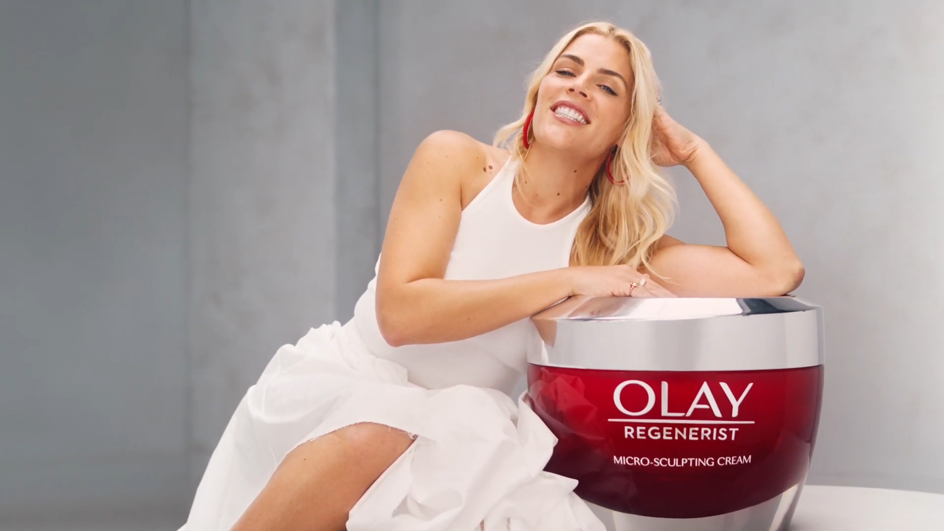 Olay - Busy Philipps' Skin Is Confident