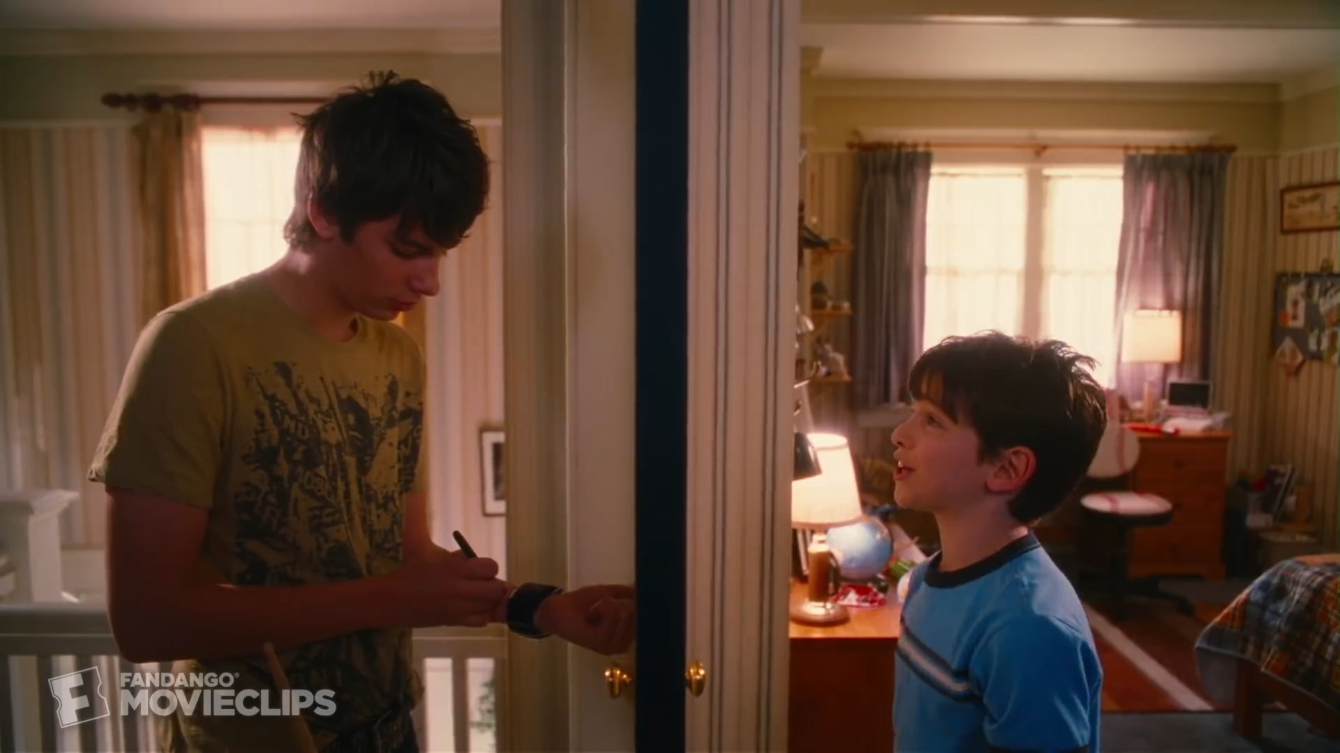 [1] Diary of A Wimpy Kid - Really have to pee