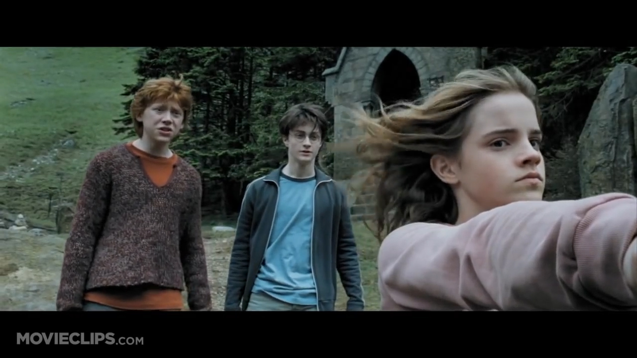 Harry Potter and the Prisoner of Azkaban - Hermione punched Malfoy