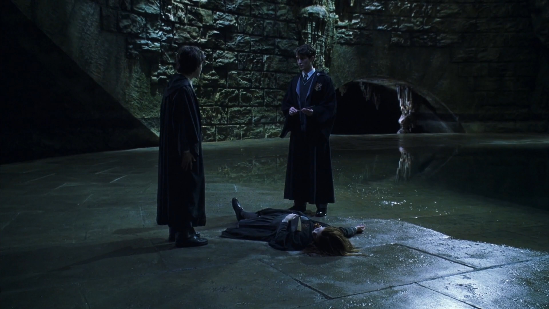 [1] Harry Potter and the Chamber of Secrets - Harry Meets Tom Riddle