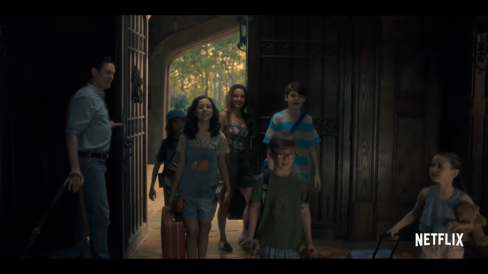 The Haunting of Hill House S1 - Official Trailer