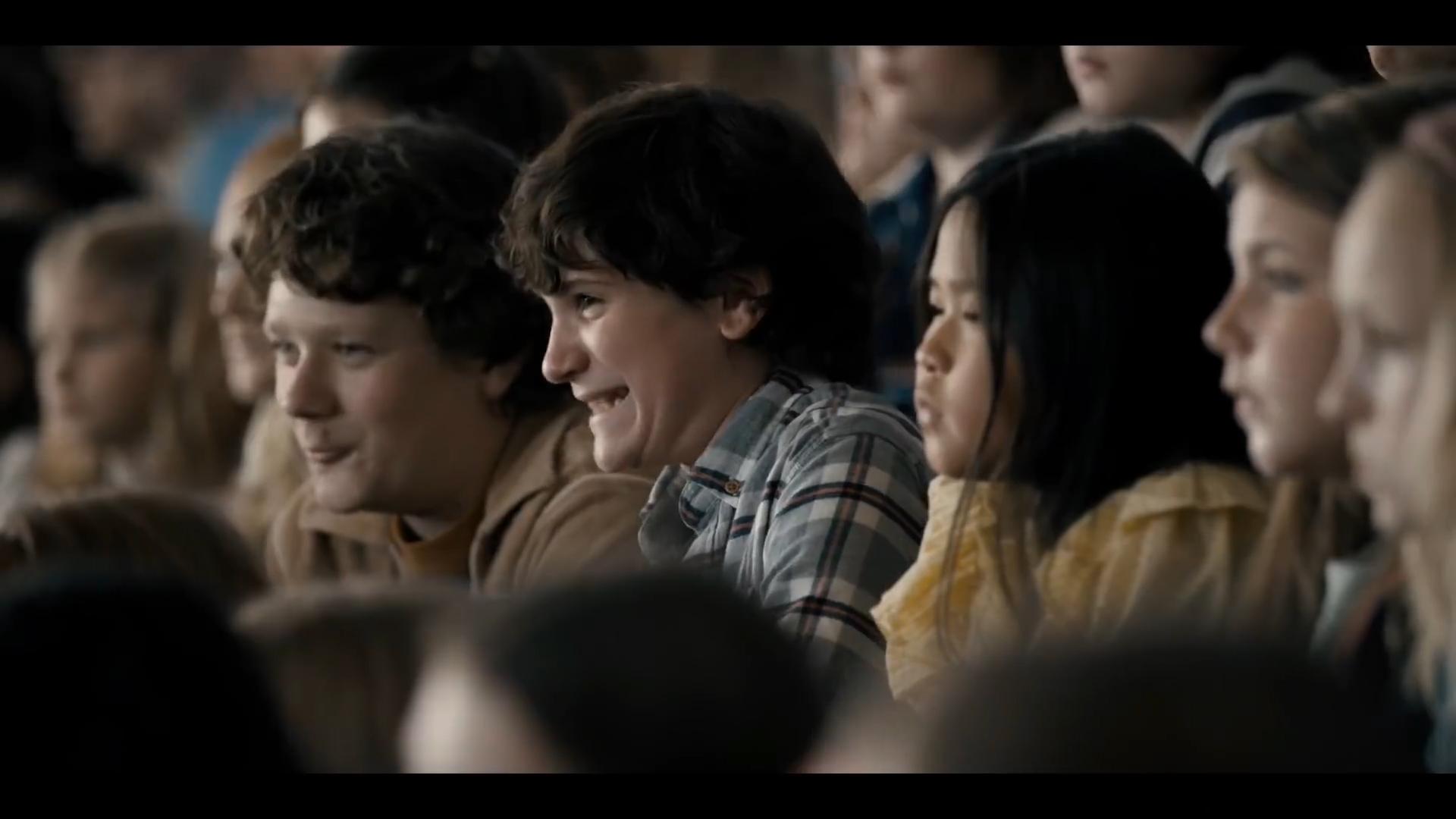 [1] Stranger Things - Eleven make Troy piss himself